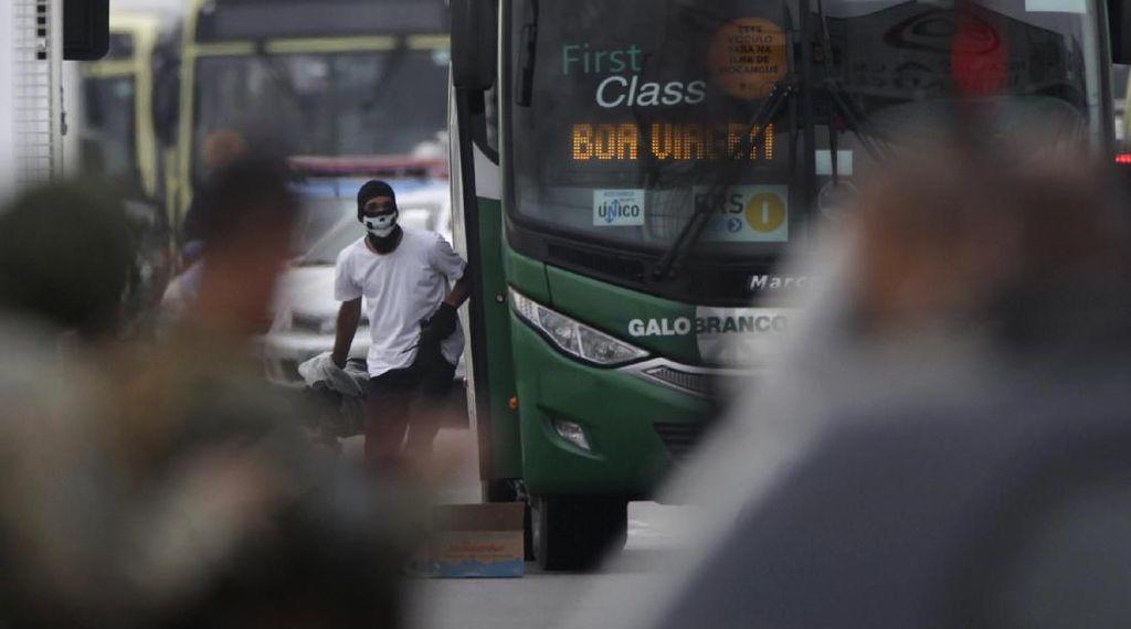 Bajak Bus Pakai Pistol Mainan, Pria di Brasil Ditembak Mati