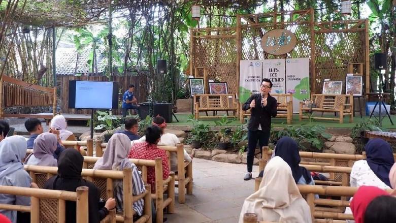 Pameran Lukisan Anak Indonesia digelar di Saung Angklung Udjo, Bandung. Acara yang diprakarsai Kao Indonesia ini berlangsung 19-25 Agustus 2019.