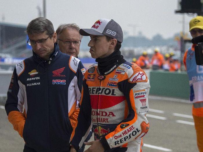 Rider Repsol Honda, Jorge Lorenzo, bilang rubuhnya menyusut usai crash di MotoGP Belanda. (Foto: Mirco Lazzari gp/Getty Images)