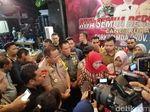 Cangkrukan Bareng, Kapolda Jatim-Khofifah Ajak Mahasiwa Jaga Persatuan
