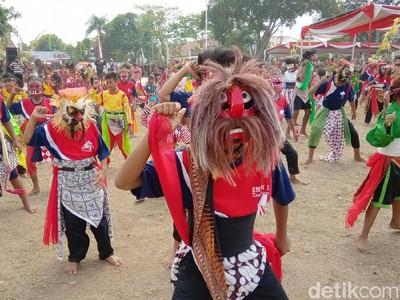 Foto Tari Pemikat Turis dari Kebumen