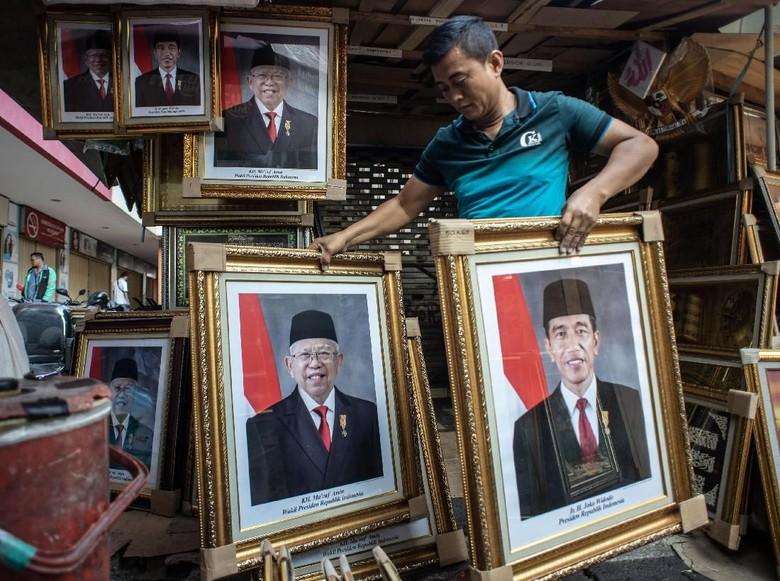 Mundur Maju Pelantikan Jokowi