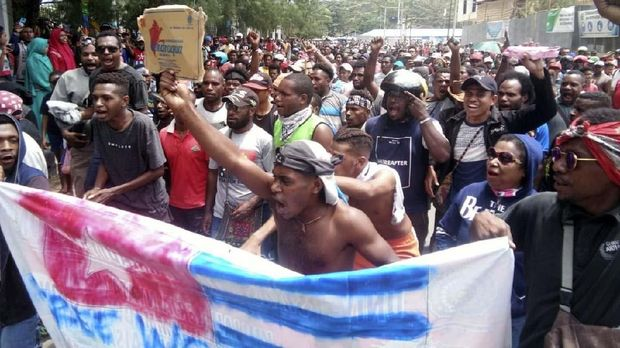 Aksi massa juga terjadi di Sorong, Papua Barat, hari ini.