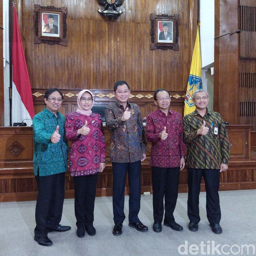Gubernur Koster Teken MoU dengan PLN Soal Energi Listrik Bersih di Bali