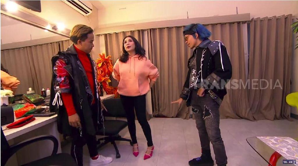 Pakai Outfit Mahal, Nagita Sebut Beli di Taman Puring dan Pasar Uler