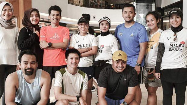 Intan berlari sebagai bentuk dukungan bagi para pejuang kanker.