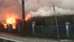 Penampakan Pasar Thumburuni di Fakfak Dibakar Pendemo