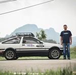 Pria Ini Touring ke Jerman Naik Mobil Tukang Tahu Demi Cinta