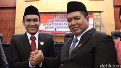 Bapak dan Anak Dilantik Bareng Jadi Anggota DPRD Jombang
