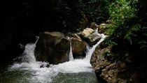 Menikmati Air Terjun Cantik di Aceh Barat Daya