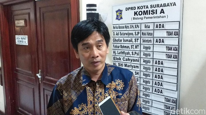 Ketua KPU Surabaya Nur Syamsi (Foto: Amir Baihaqi)