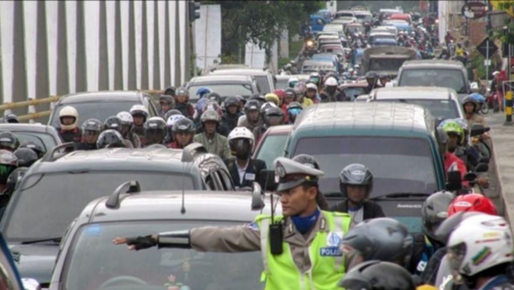 Beban Berat Jalan Raya Kota Malang