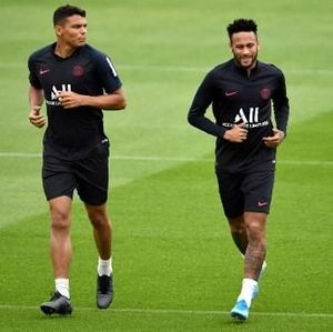Rivaldo: Kombinasi Cristiano Ronaldo-Neymar Bakal Brilian