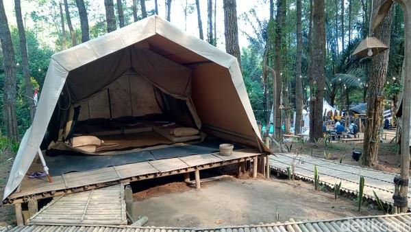 Untuk menggaet wisatawan dari segala penjuru dunia, Badan Otorita Borobudur (BOB) meluncurkan nomadic tourism yakni Glamping De Loano di Desa Sedayu, Kecamatan Loano, Kabupaten Purworejo sebagai pengembangan kawasan otoritatif Borobudur. (Rinto Heksantoro/detikcom)