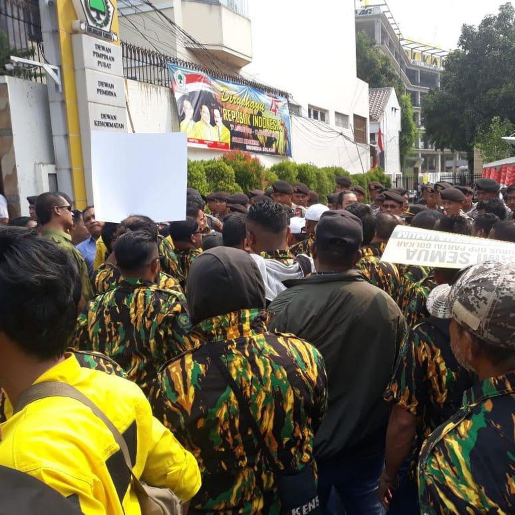 Kader Golkar Minta Dewan Pembina Turun Tangan Selesaikan Masalah di DPP
