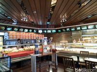 Aneka Pastry Jerman dan Prancis Tetap Hits di Toko Roti Klasik Ini