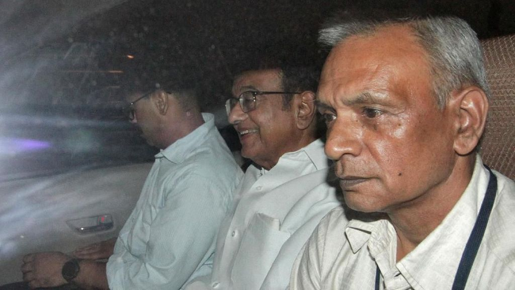 Penangkapan Eks Menkeu India Terkait Kasus Korupsi Berlangsung Dramatis