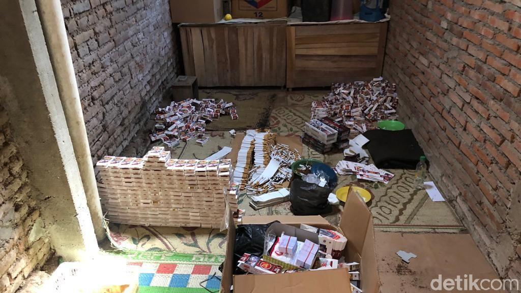 Ratusan Ribu Rokok Ilegal Disita Bea-Cukai Kudus