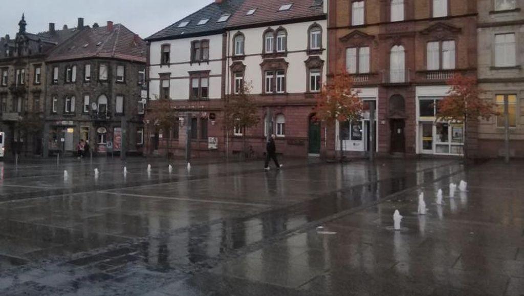 Potret Stasiun Kaiserslautern Hauptbahnhof di Jerman