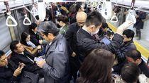 Viral, Wanita Dikasari karena Tak Beri Kursi pada Pria Lebih Tua di Kereta