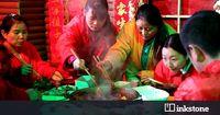 Bebas Gerah! Warga China Makan Hotpot dalam 'Gua Es' Super Dingin