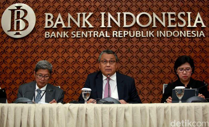 Bank Indonesia (BI) memutuskan untuk Menurunkan lagi suku bunga acuannya. BI 7 Days Repo Rate turun jadi 5,5%. Hal itu diungkapkan oleh Gubernur BI Perry Warjiyo di kantor BI, Jakarta, Kamis (22/8/2019).