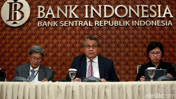 Bank Indonesia (BI) memutuskan untuk menurunkan lagi suku bunga acuannya. Kini BI 7 Days Repo Rate turun jadi 5,5%.