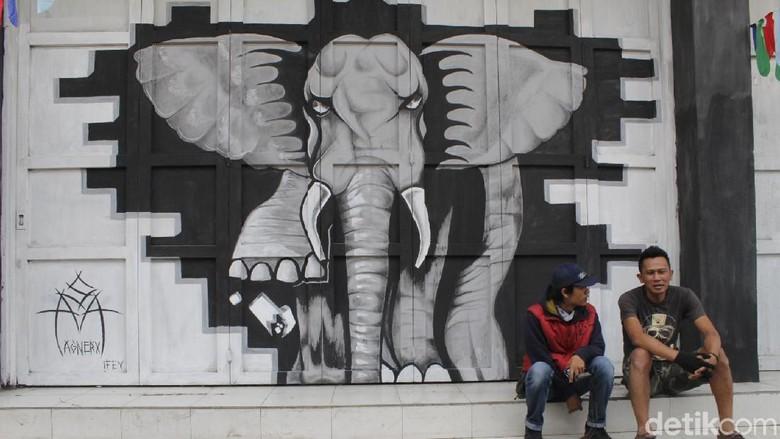 Foto:  Street art di gang haji kodir (Yudha Maulana/detikcom)