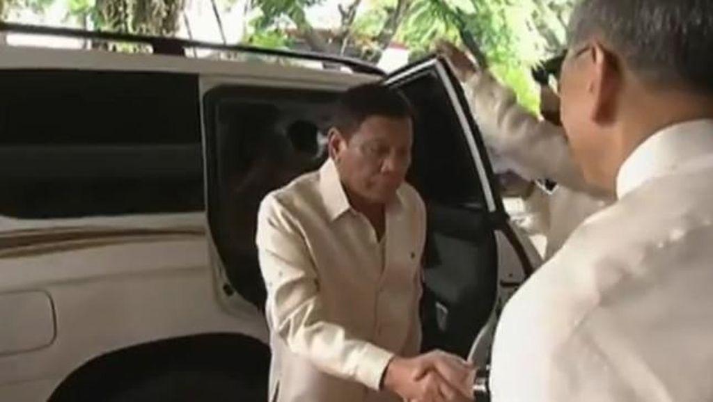 Duterte Coret Limusin Mercy dari Daftar Mobil Kepresidenan