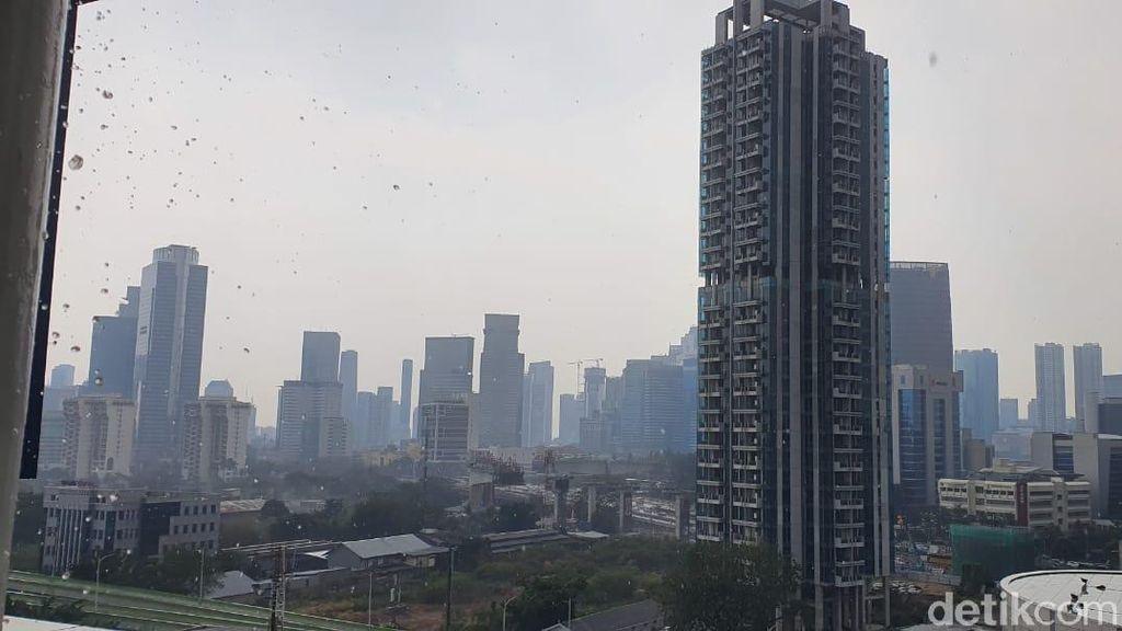 Sebagian Jakarta Diguyur Hujan Siang Ini