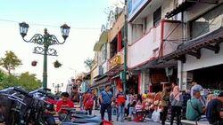 Jalan-jalan di Malioboro dan Candi Borobudur