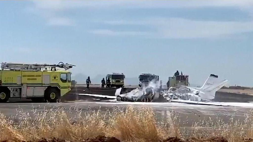 Pesawat Jet Terbakar Sesaat Setelah Lepas Landas