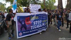 Prihatin Kasus di Surabaya, Mahasiswa Papua Gelar Aksi Damai di Bali