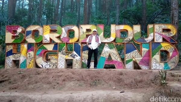 Kemping mewah ini berada 12 kilometer dari Candi Borobudur dan 35 kilometer dari Bandara NYIA, Yogyakarta. Glamping atau Glamorous Camping yang oleh BOB dikembangkan di area Borobudur High Land. (Rinto Heksantoro/detikcom)