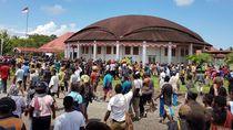 Warga Geruduk Kantor DPRD Kabupaten Nabire Tolak Aksi Rasisme