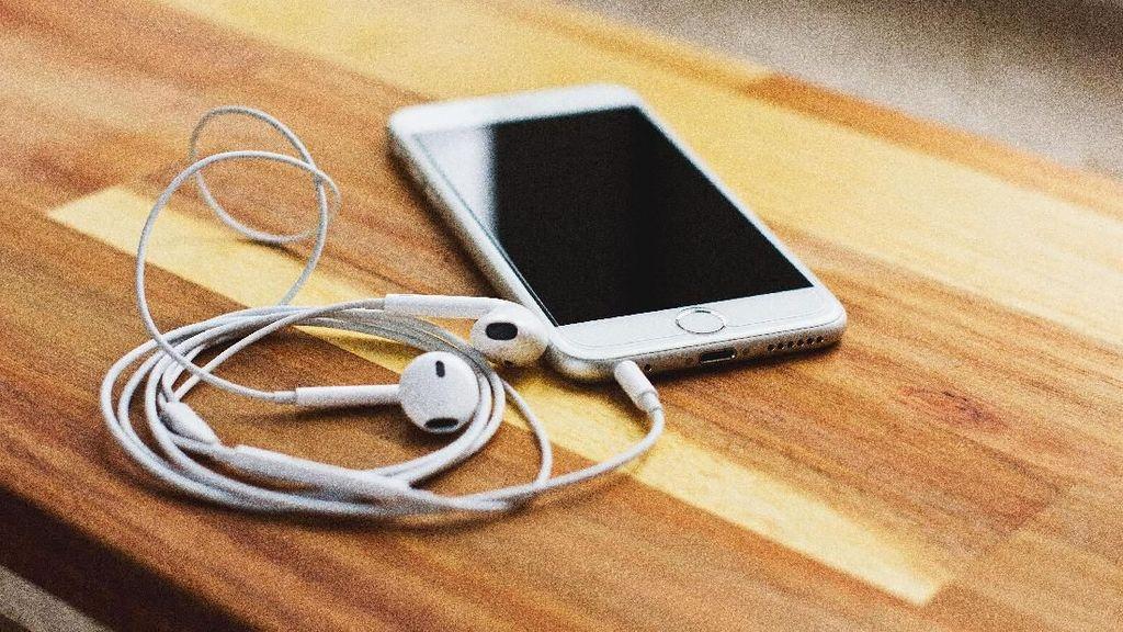 Survei: Di AS, Jack Headphone Bukan Fitur Penting Smartphone