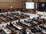 Pin Emas dan Jas Bagi Anggota DPRD Jabar Senilai Rp 1 M