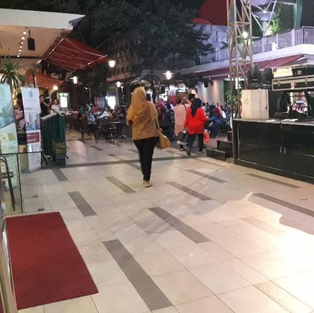 Wanita Telanjang Dada di Mal Bekasi Sempat Mampir ke ATM