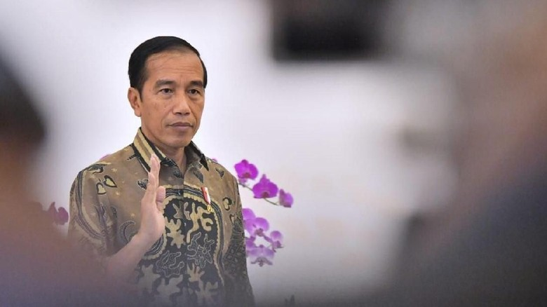 Jenguk Wiranto, Jokowi Tiba di RSPAD