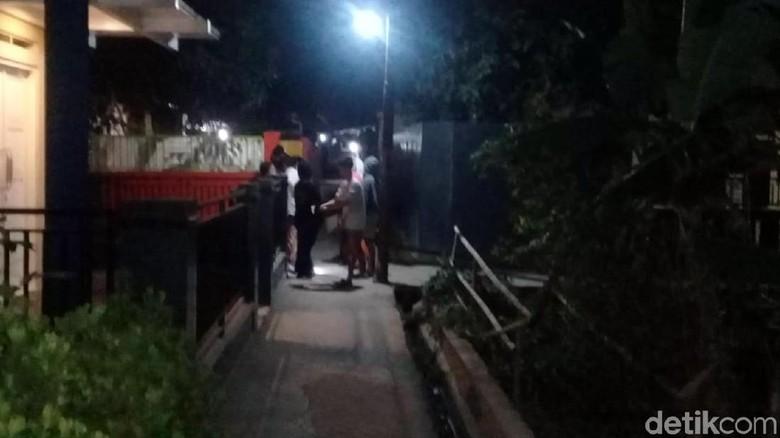 Geger Isu Pocong, Warga Cibadak Sukabumi Ronda Malam