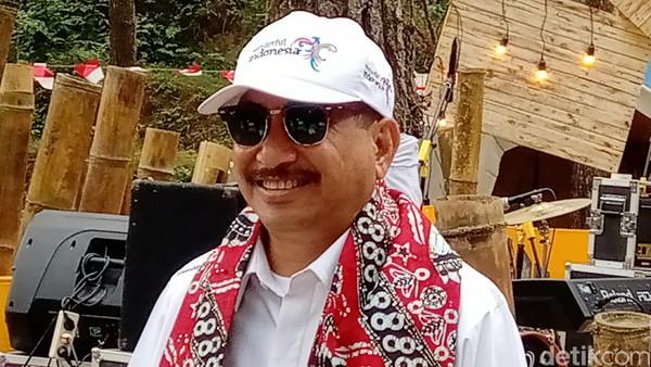 Menpar Arief Yahya berkunjung ke Glamping De Loano. (Rinto Heksantoro/detikcom)