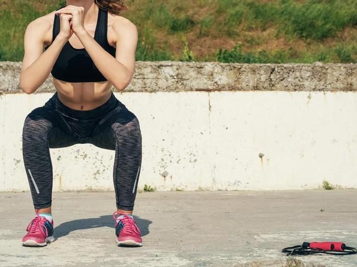 Ilustrasi squat (Foto: iStock)