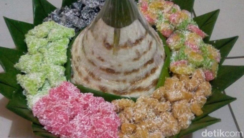 Dari Kampung Pasirkihiyang, Awug Diperkenalkan ke Pelosok Jabar