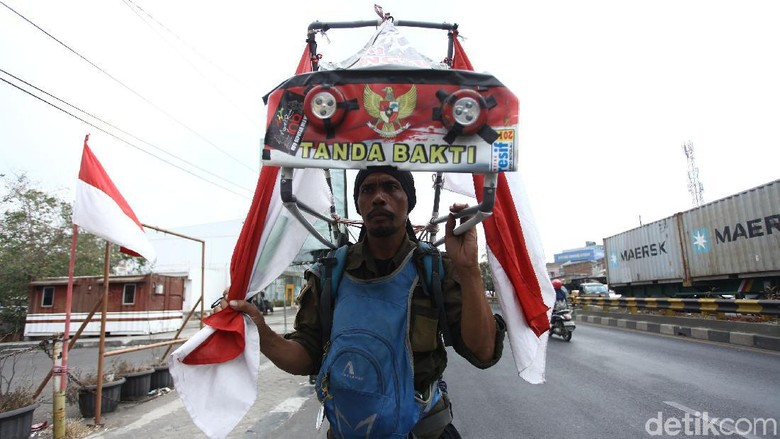 Aksi Jalan Mundur Tulungagung-Jakarta Demi Reboisasi