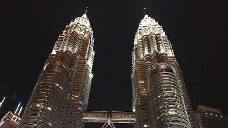 Menara Petronas di KL, Malaysia