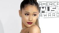 Ariana bahkan menuntut hingga Rp 143 miliar karena menggunakan model dan busana mirip dirinya. Foto: Frederick M. Brown/Getty Images