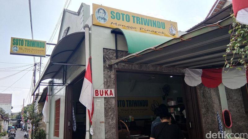 Sempat viral karena vlog Presiden Jokowi, inilah Soto Triwindu di Keprabon, Kecamatan Banjar Sari, Kota Solo. Mereka semakin kedatangan banyak pelanggan. (Tasya/detikcom)