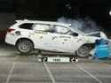 Mitsubishi Outlander PHEV Dapat Lima Bintang saat Diuji Tabrak