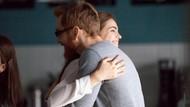 Kisah Cinta Manis Pasangan Tunanetra, Calon Istri Berikan Ginjal untuk Tunangan