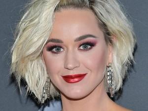 Makin Mendunia, Topi Karya Rinaldy A Yunardi Dipakai Katy Perry di Ellen Show